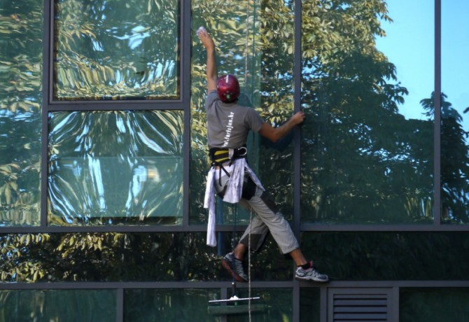 Sport or business: window cleaner
