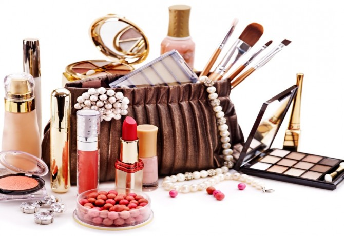 Take a peak into your make-up purse!