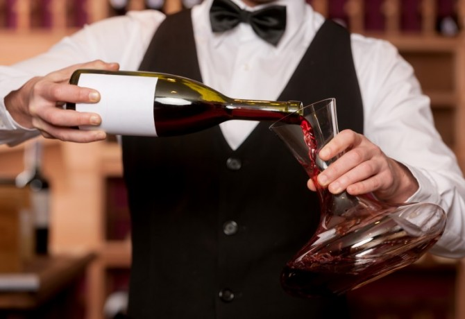 When is the right time to decant wine?