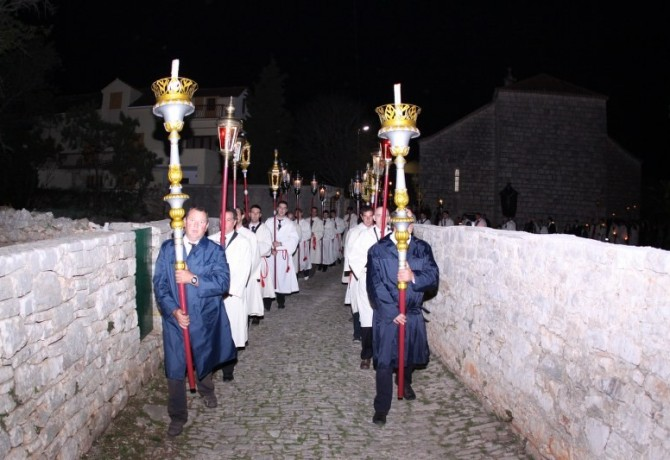 """""""Following the Cross"""" Procession"""