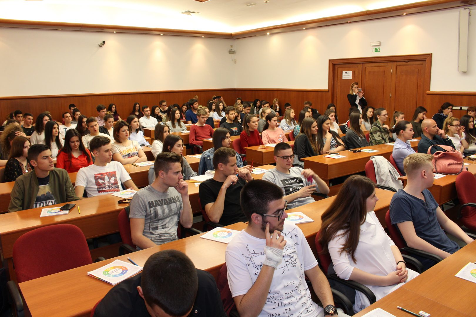 U ŽK Split održano predavanje o financijskoj pismenosti za učenike srednjih škola