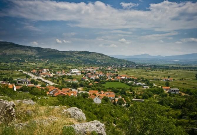 Gradska knjižnica Drniš – prikupljanja knjige za Slavoniju!