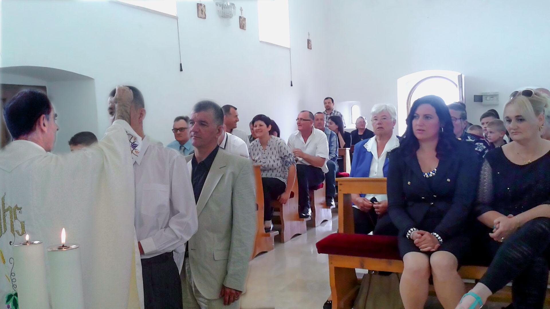 krizma crkva gospe od ruzarja naslovna