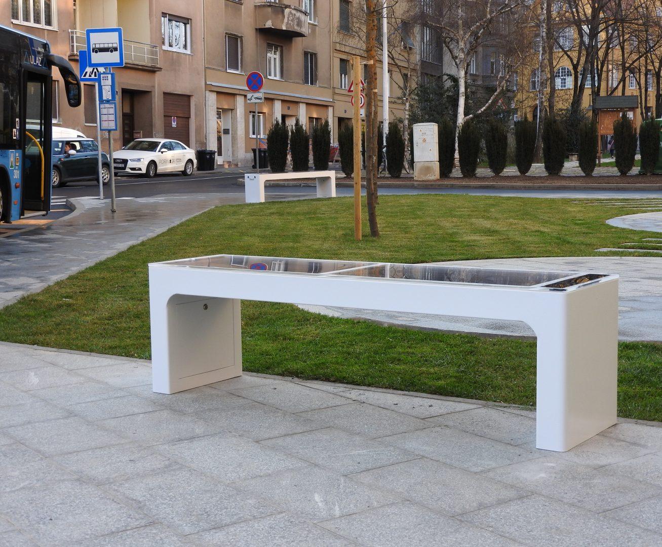 Include premašio iznos investicija od 410.000eura, pametne klupe postavljene u Zagrebu