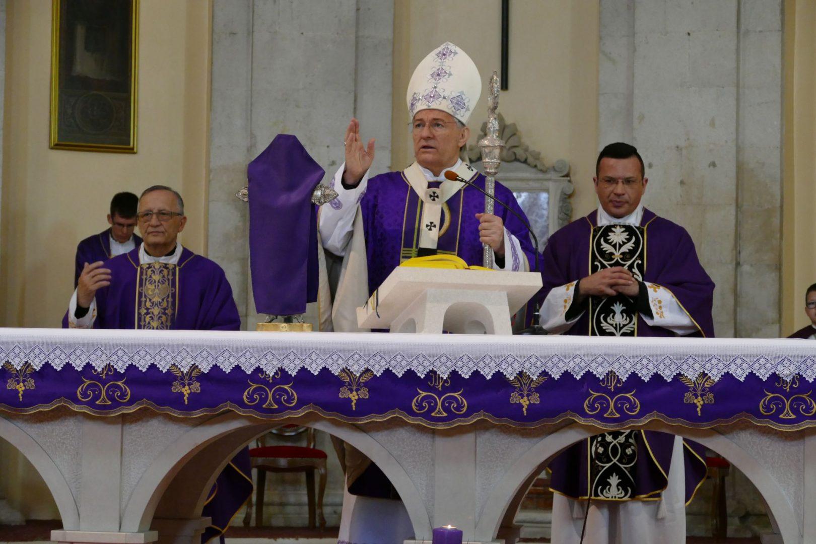 Misa posvete ulja, Vazmeno trodnevlje i Uskrs u splitskoj katedrali