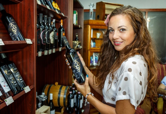 Konzulica Mađarske dr. Anna Szlanyinka u posjeti vinoteci Viola i Terracon news