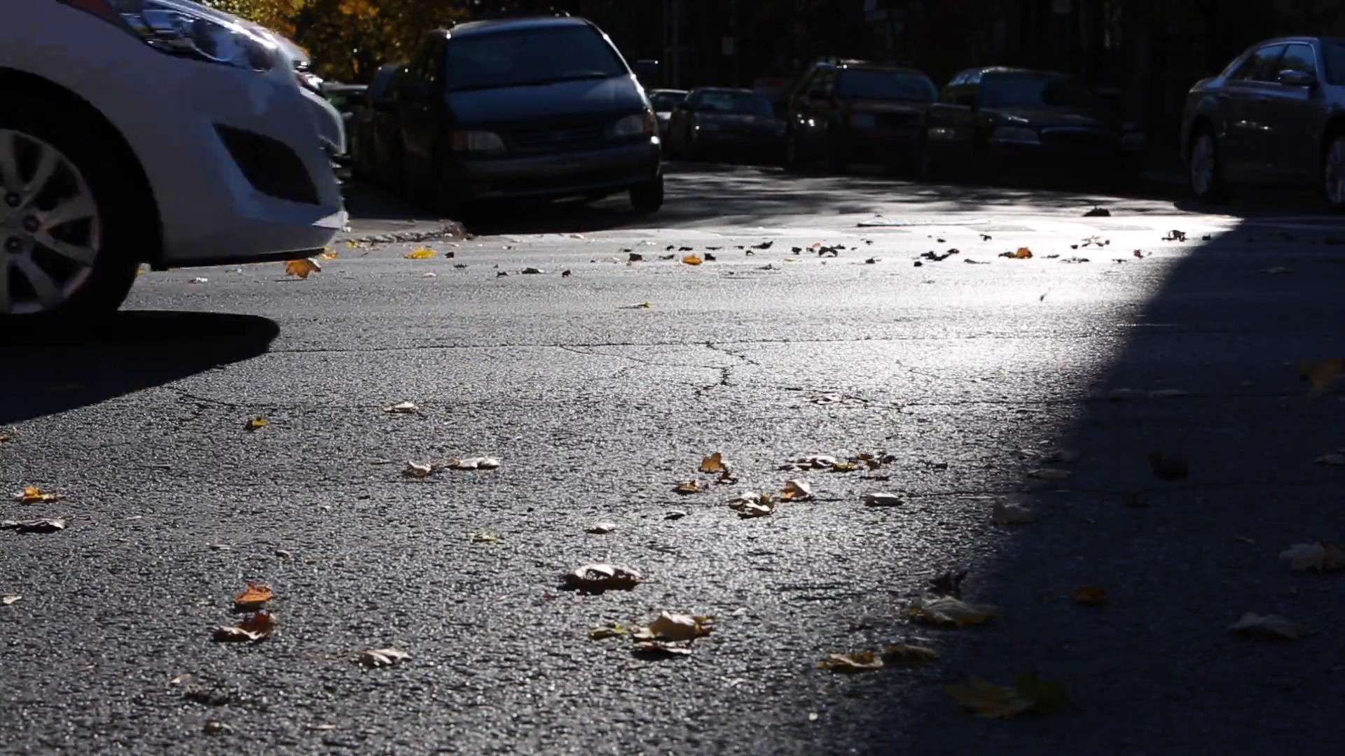 HAK: Čekanja na graničnim prijelazima do pola sata Čekanja na graničnim prijelazima za osobna vozila na izlasku su do 30 minuta, pojačan je izlazak teretnih vozila na graničnim prijelazima Macelj, Pasjak i Bregana s kolonom od kilometar i pol, izvijestio je u ponedjeljak ujutro Hrvatski auto klub (HAK).