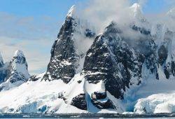 Po prvi put u povijesti bazen arktičkog leda u Sibiru još se nije počeo smrzavati, znanstvenici zabrinuti