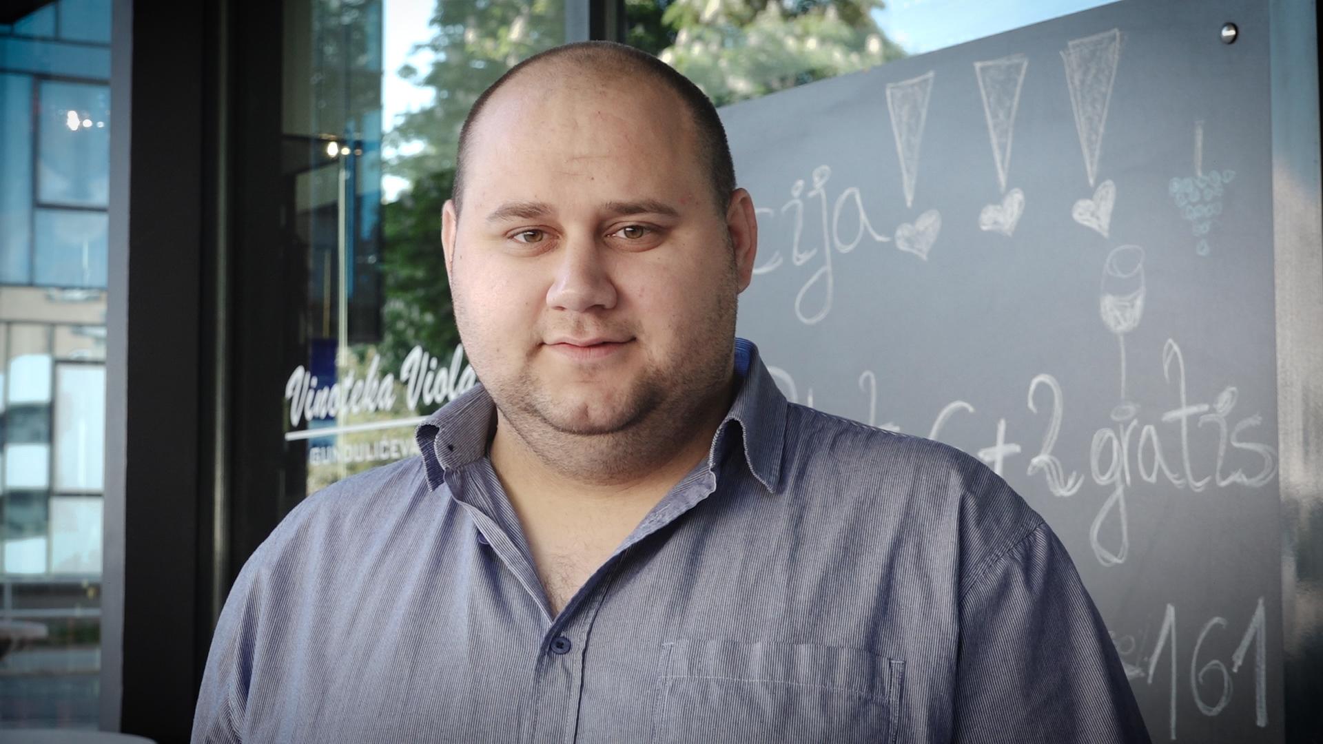Branko Medak pjesmom zabavlja i uveseljava ljude