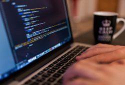 Najbolji programski jezici za naučiti u 2021.