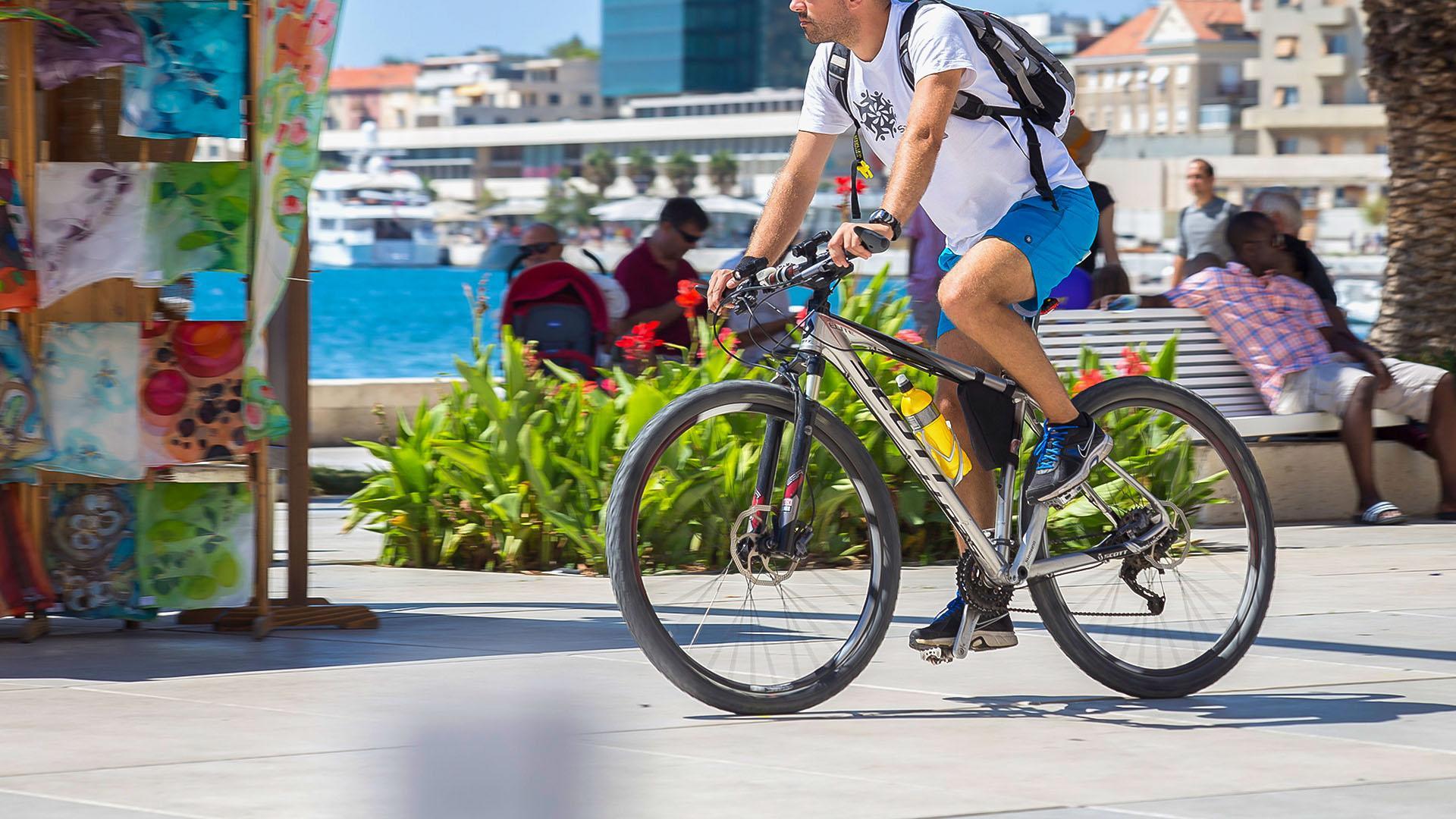 Festival biciklizma u Sinju